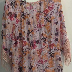 Summery shirt with fringe